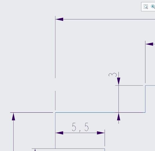 Przerwanie pozostawione po przesunięciu wymiaru przecinającego linię wymiarową na dokumentacji płaskiej Creo Parametric.